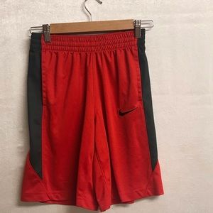 Boys Large Nike Basketball Shorts